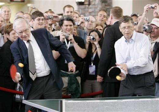 Famous billionaires Warren Buffett and Bill Gates