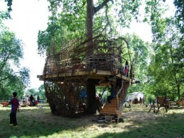 Regent's Park childrens tree house