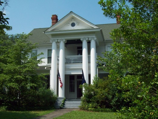 The J.W.Holliday Jr. House in Conway Residential Historic District