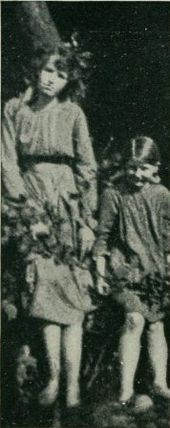 Elsie and Frances 1917