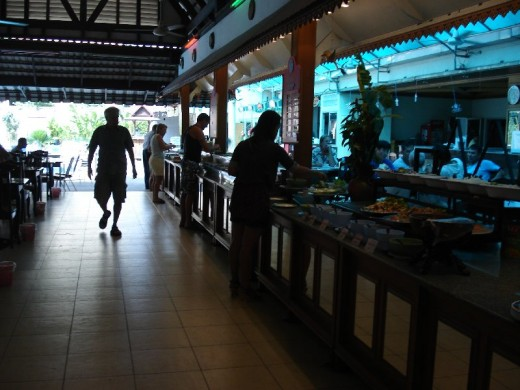 Pattaya buffet breakfast review hubpages for Lek hotel pattaya
