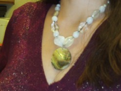 Make A Necklace With A Shell Pendant
