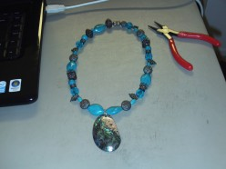 Create Beautiful Mother of Pearl Necklaces