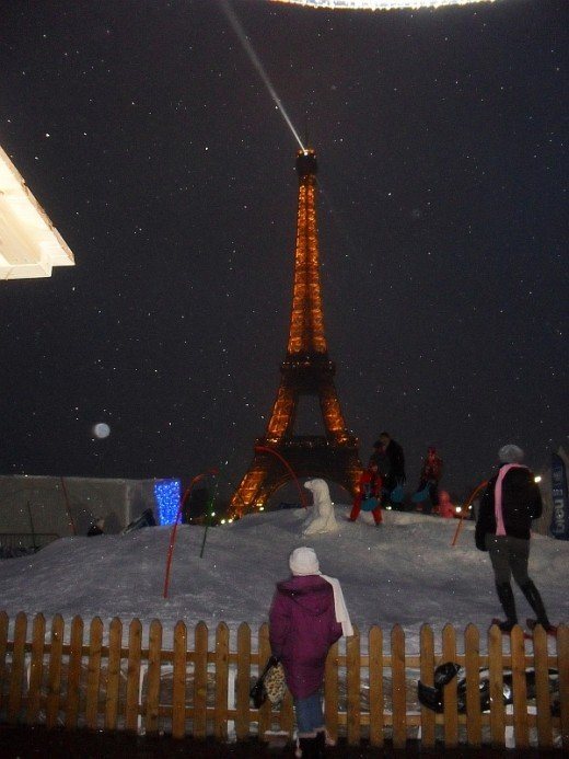 Sledge Area In Front Of The Eiffel Tower