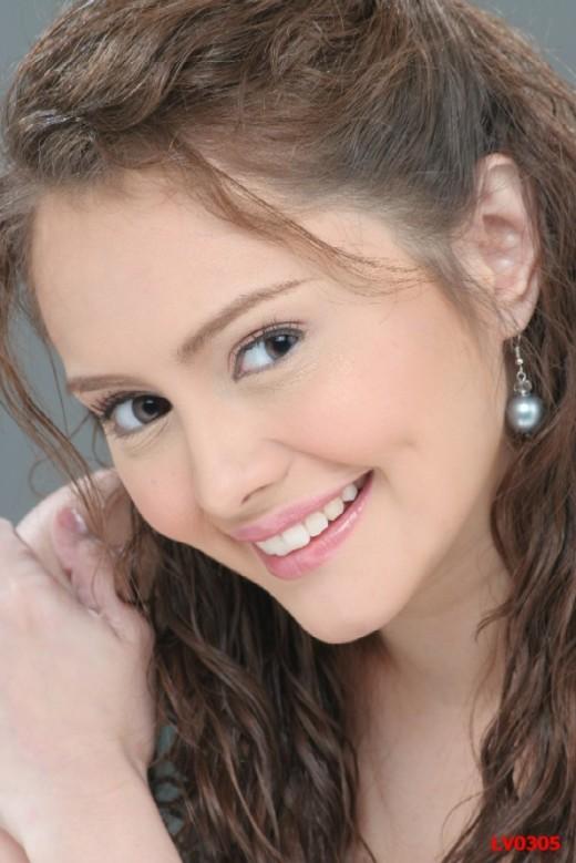 Baby-faced Angelica De la Cruz