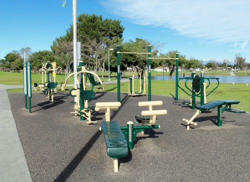 - Outdoor Resistance Machines -