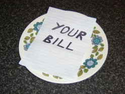 Paying your bill in the most considered fashion will further help reduce costs when eating in restaurants