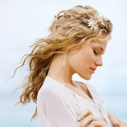 Wedding Hair: Beautiful Wedding Hairstyle For Long Hair