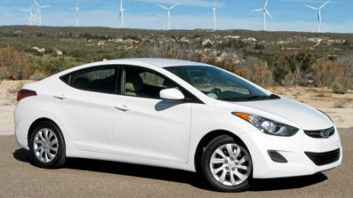 The 2011 Hyundai Elantra caught one auto blogger's attention so much that he wound up buying one. He loved it at first, but the car has never lived up to its MPG rating.