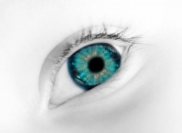 blue eye closeup photo