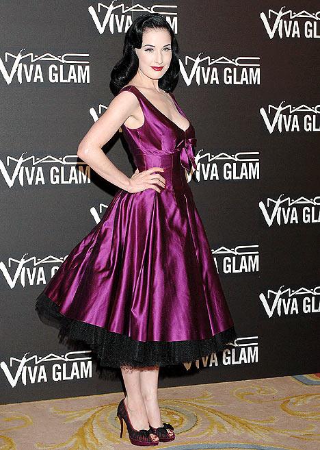 Dress in fashion - Burlesque