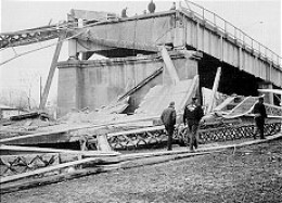 Silver Bridge collapse caused due to Crevice Corrosion in 1967