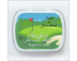 Personalized golf wedding favors are a great touch to add to your décor.