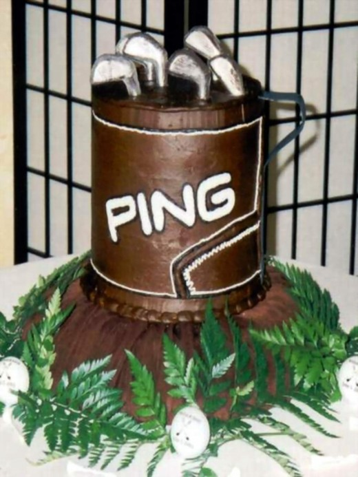 How about a golf bag groom's cake?