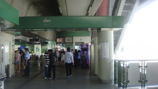 Asoke Station BTS Sky Train