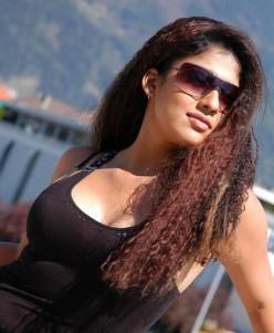 Nayantara Sexy Photos - Hot Pics and Video of mallu actress Nayanthara