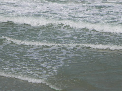 Picture of small waves in the Atlantic Ocean from a Florida Beach