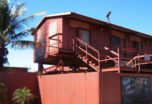 More unique and querky outback architecture - The Pier Hotel
