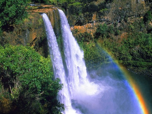 With its natural beauty such as Wailua Falls on the island of Kauai, it is hard to decide if the island is more beautiful or the lovely Hawaiian women!