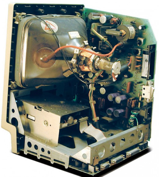 The insides of the Mac Plus, 1980s technology at its finest.