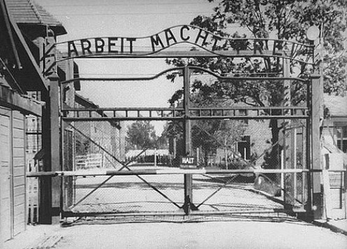 The infamous gateway to Auschwitz. Image from http://mally-gildedbutterflies.blogspot.com/