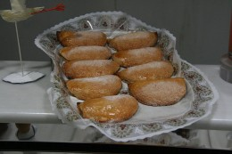 Pastelles de Boniato  By Tamorlan (Own work) [CC-BY-3.0 (www.creativecommons.org/licenses/by/3.0)], via Wikimedia Commons