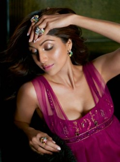 Shilpa Shetty—Hot Bollywood Desi Girl—Sexy Hub Collection of Photos and Wallpapers