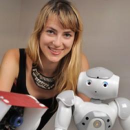 Heather Knight (Marilyn Monrobot)