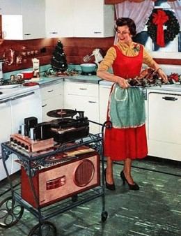 "after WWII, many compamies sprang up, making loudspeakers and amplifiers of all sorts. Also turntables, tape recorders and tuners, the birth of the ""Components"" age."