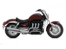 The 2300cc Triumph Rocket III. The Boss Hoss makes it look like a moped.