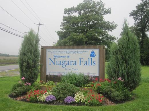 Welcome sign at Niagara Falls, New York