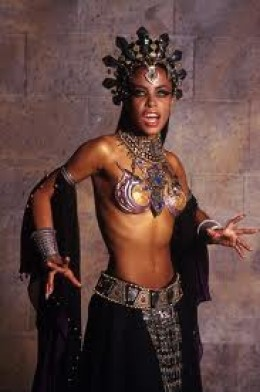 Aaliyah in 'Queen of The Damned'