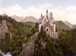 10 Most Popular Castles in the World