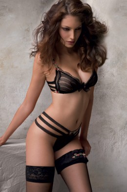 Very seductive basic black for a night at home or an evening out, you will feel like a Goddess even if no one but you knows what you are wearing