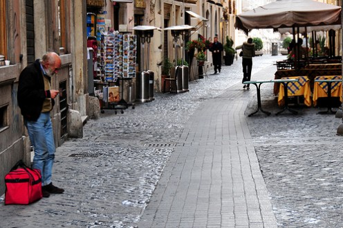 Interesting little side-street in Rome. Photo by Ed Yourdon (flickr)
