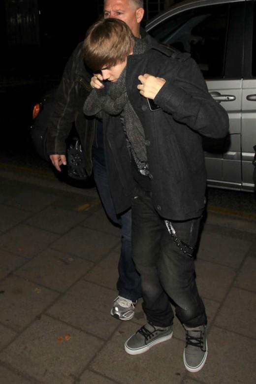Justin Bieber wearing Vans Vulcanized