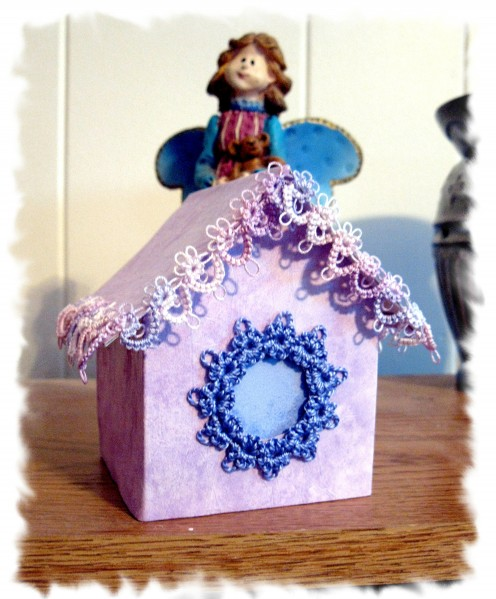 Can't wait until the birds are back from down south. Until then I will make some indoor birdhouses for a few friends.