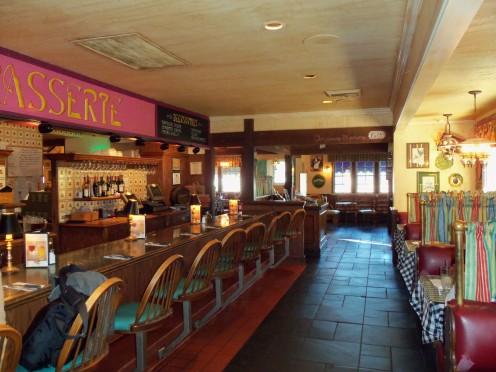 - Mimi's Cozy European Style Bar -