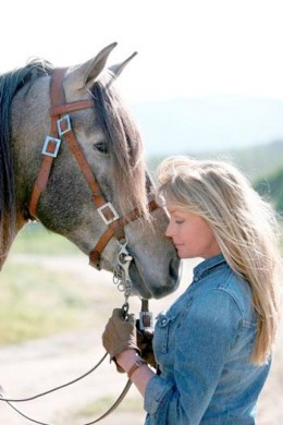 Bo Derek asks congress to save American horses.