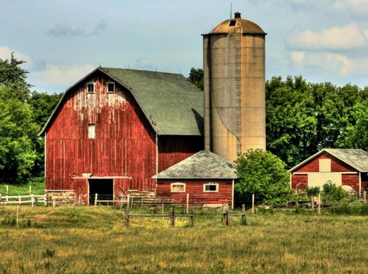 Barns and other agricultural buildings are easy to build on smaller acreages for small-scale farms