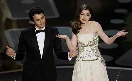 The Hosts: JAMES FRANCO & ANNE HATHAWAY