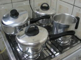 Stainless steel and aluminum are popular materials for pots and pans.