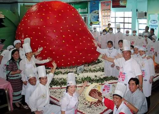 The world's largest short cake in the world... pic from explorephilippines.net