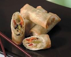 Make a Vietnamese Spring Roll (Oriental Food)