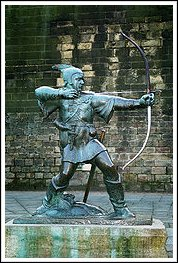 Robin Hood statue in Nottingham