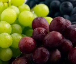 Grapes: 5 Healthy Benefits and a Face Mask