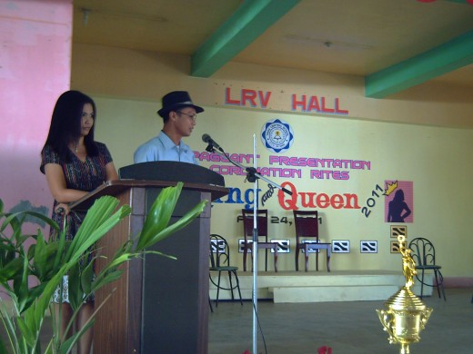 Travel Man, together with his co-emcee, hosting a school program last February 24, 2011 (Photo by Ireno Alcala)