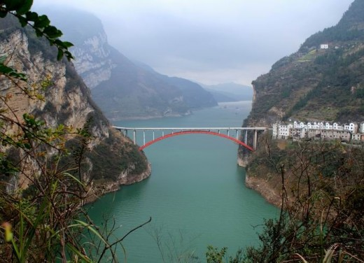 Bridge stretching over Yangtze River