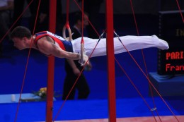 Isometric exercises help gymnasts to achieve amazing static elements during their routines