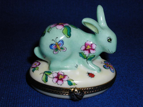 Searching for a porcelain 2012 easter egg? This pretty green flowered rabbit Limoges porcelain box would make a great easter gift